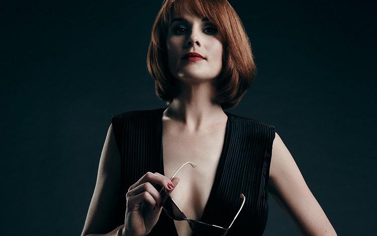Michelle Dockery vive golpista sedutora em Good Behavior, série exclusiva da TNT Séries