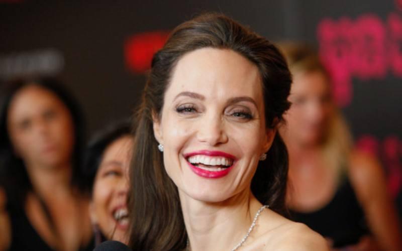 Angelina Jolie – Tudo sobre os Filmes, os Prêmios e a Carreira da Atriz, Deveserisso